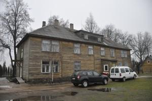 Troškųnų senelių namai