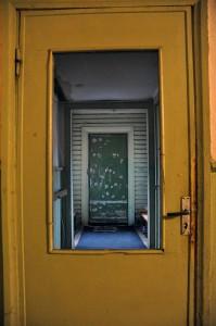Geltonos durys
